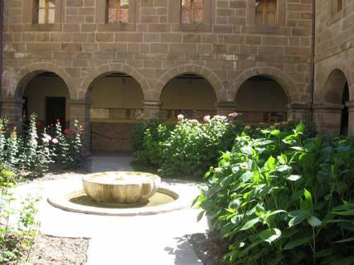 Interior del Monasterio de Santo Toribio. - Se abre en una nueva ventana