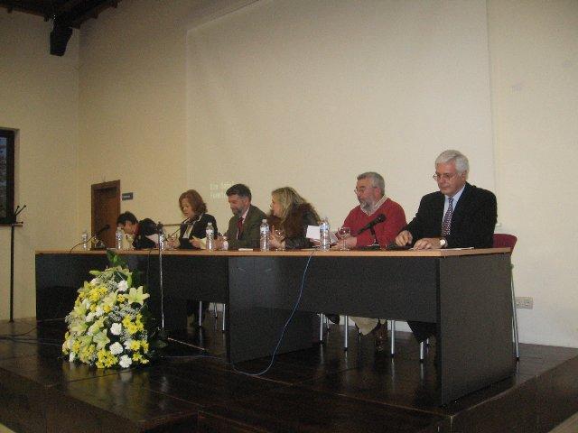 Ponentes, representantes del ayuntamiento y de la asociación - Se abre en una nueva ventana