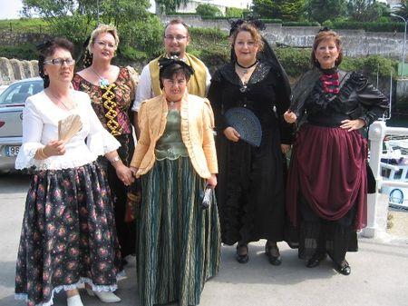 personas recreando los trajes de la epoca goyesca - Se abre en una nueva ventana