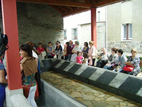 Mas publico asistente a la inauguración del lavadero - Se abre en una nueva ventana